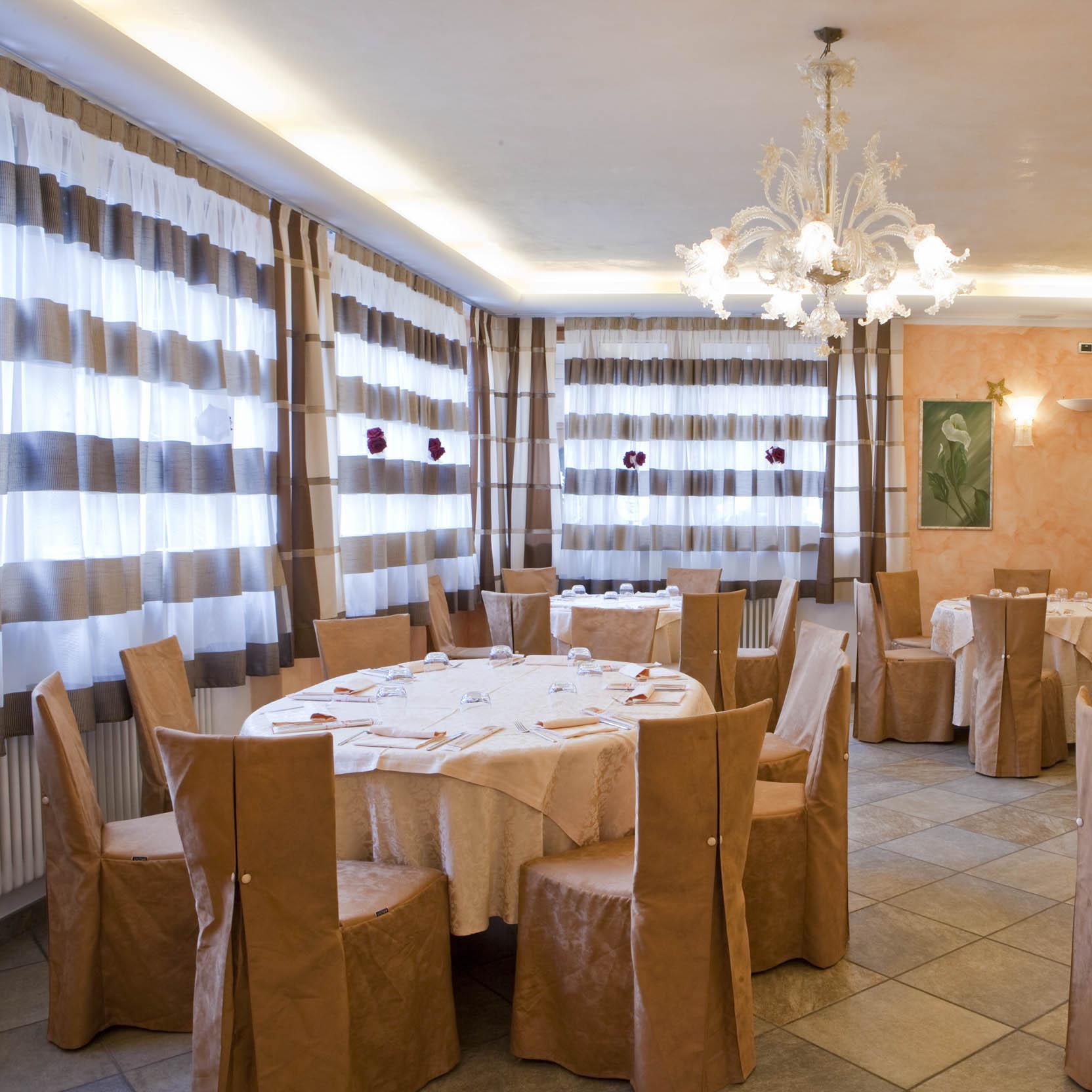 Sedie Banqueting e Coprisedia